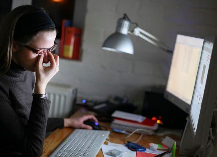 درد چشم در کار با کامپیوتر